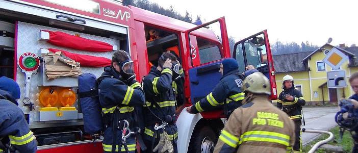 Novi operativni gasilci na zaključni zaščitno-reševalni vaji v Trzinu