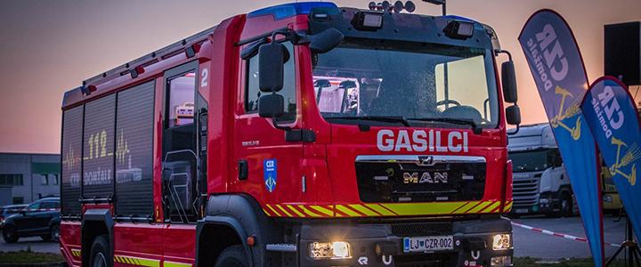 Poklicni gasilci CZR Domžale prevzeli novo gasilsko vozilo MAN GVC 16/25