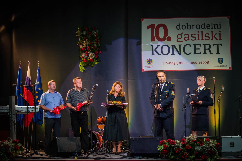 Posebne zahvale so bili deležni Mirjam in Rajko Novak, pobudnika dobrodelnega gasilskega koncerta ter Vido Repanšek in Stanko Grčar, ki že vsa leta prizadevno skrbita za organizacijo dobrodelnega koncerta.