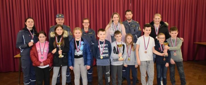 Kviz gasilske mladine za pionirje in mladince iz GZ Domžale in GZ Mengeš